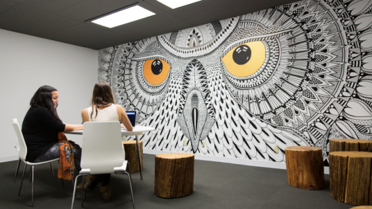hootsuite-meeting-room